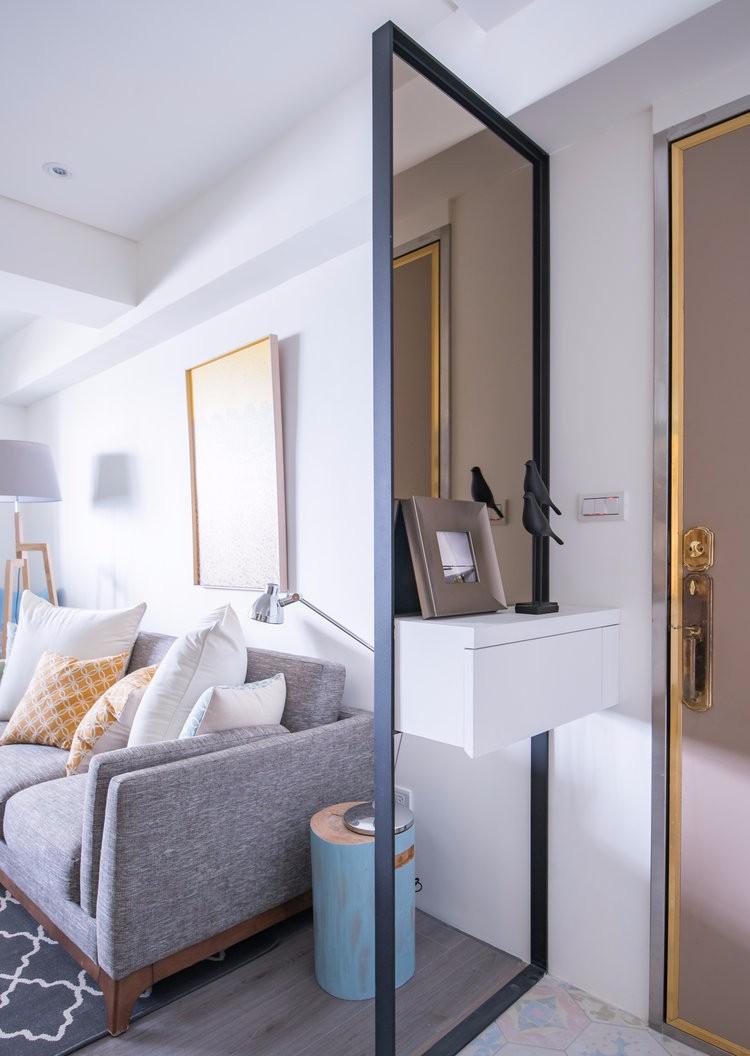 简约北欧两居室玄关镜面隔断装修效果图