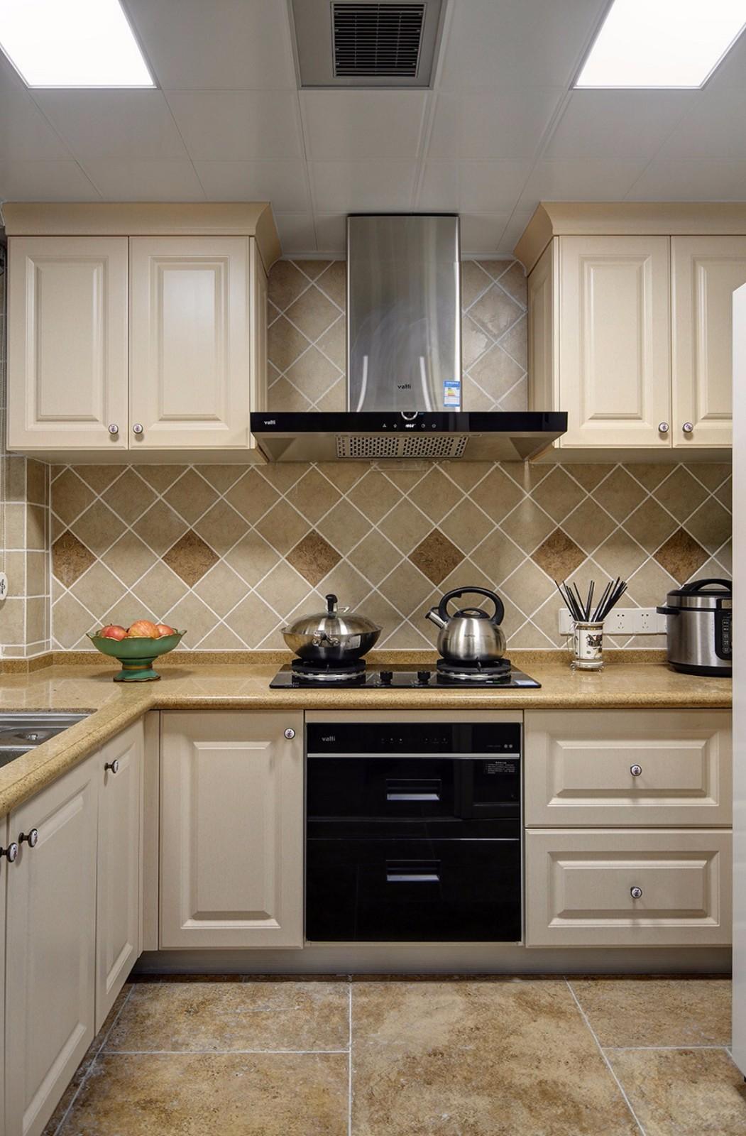 美式田园风格三居厨房装修效果图