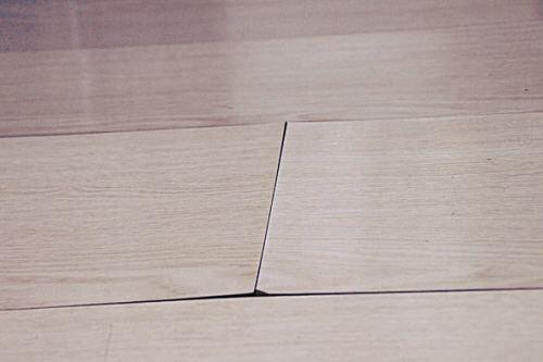 地板鼓包怎么处理 这是因为木地板质量不好造成的吗