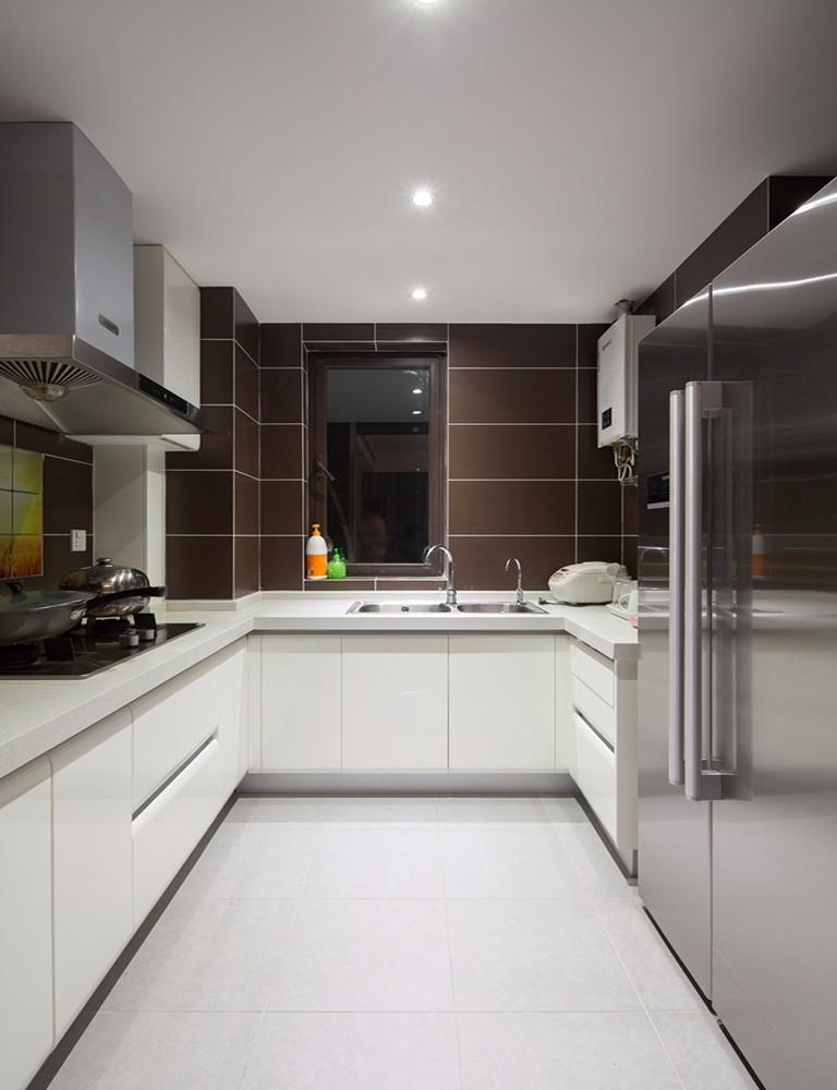 现代简约风两居厨房装修设计图