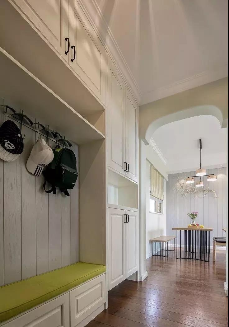 100㎡两居室玄关装修效果图