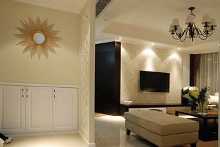 美式风格三居玄关装修设计图
