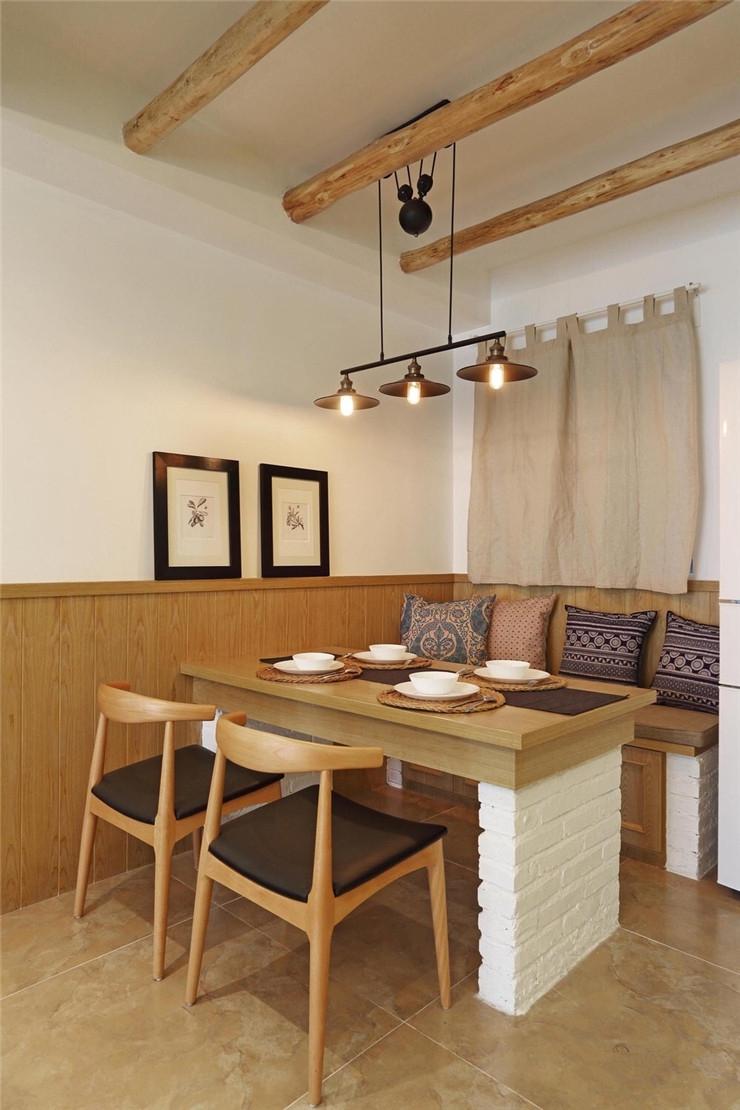 混搭风格二居室餐厅吊顶装修效果图