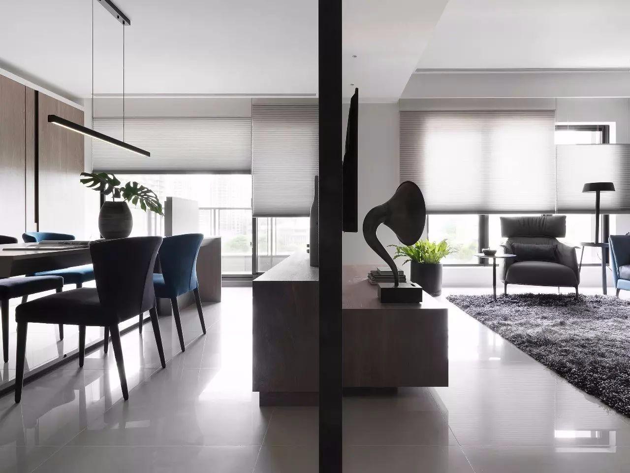 现代风格客厅隔断装修效果图
