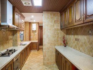 美式乡村风格厨房装修效果图
