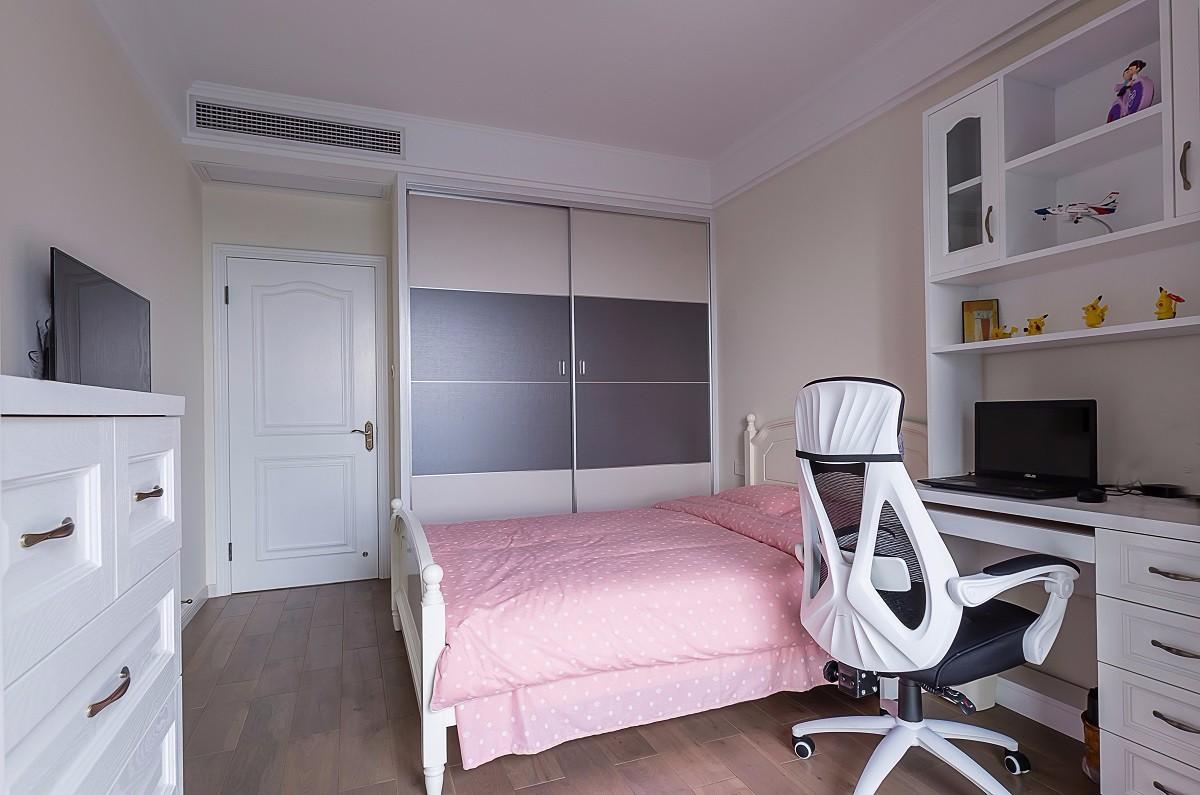 美式风格两居卧室装修设计图