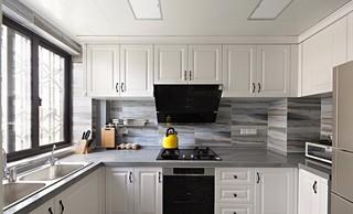 法式风格三居厨房装修效果图