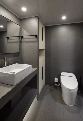 现代高级灰卫生间装修效果图