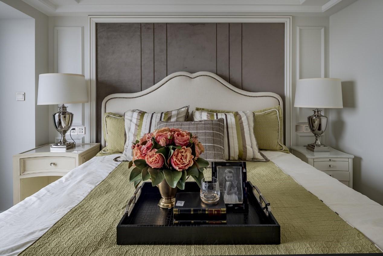 120平美式风格卧室装修效果图