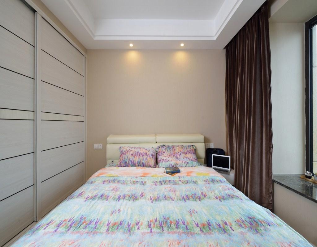 88平现代简约二居床头背景墙装修效果图