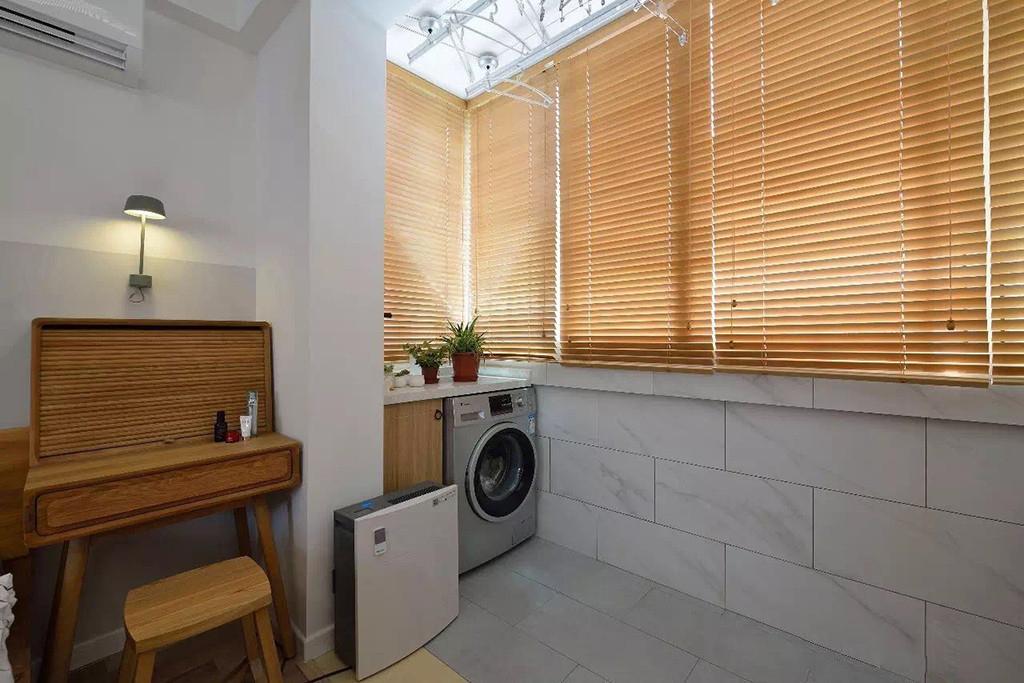 小户型两居室装修窗帘效果图