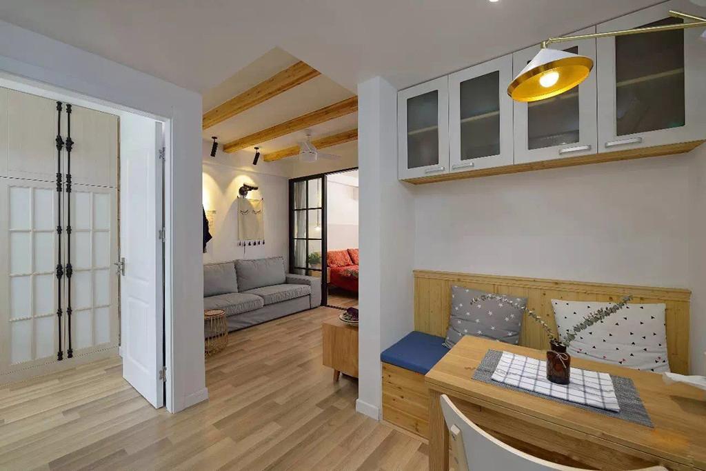 小户型两居室装修卡座设计图