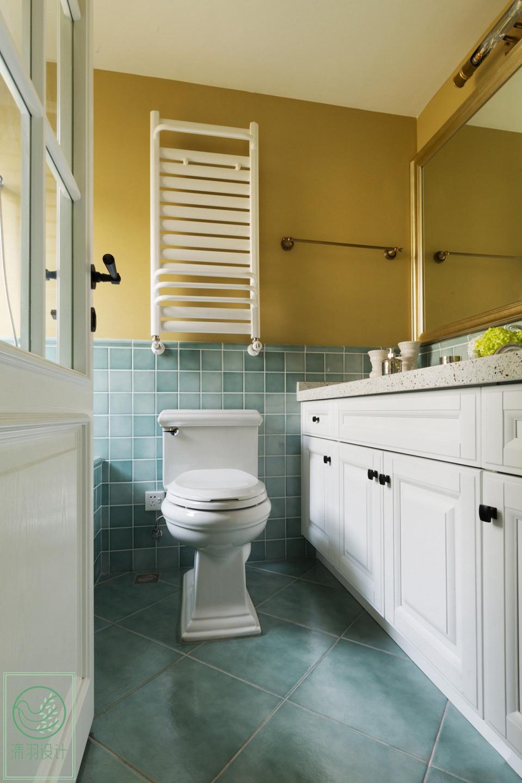 110平现代简约两居卫生间装修效果图