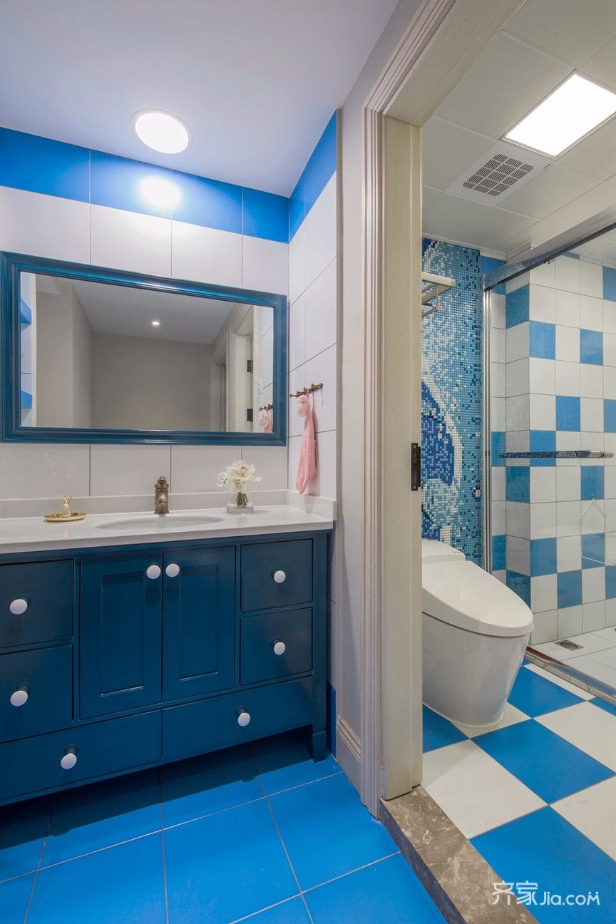 大户型复式美式装修浴室柜设计图