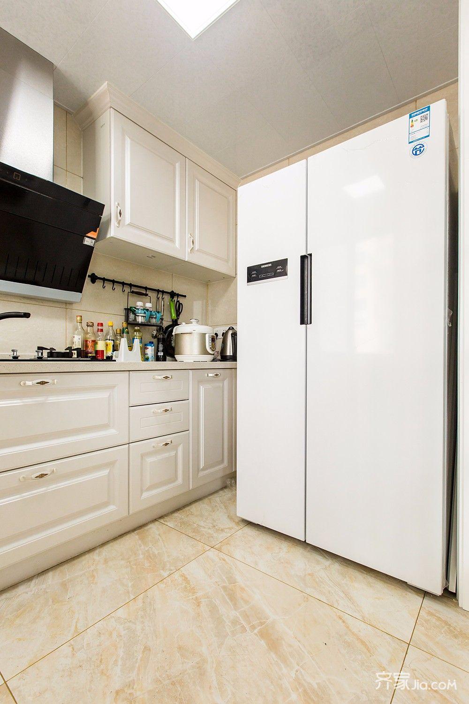 145平美式风格四居厨房装修效果图