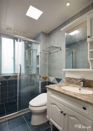 126平美式风格三居卫生间装修效果图
