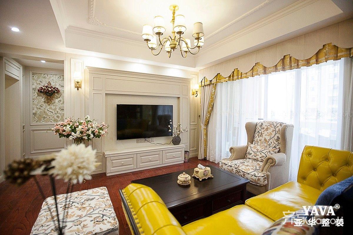 125㎡美式风格三居客厅装修效果图