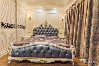145平欧式风格四居装修床头背景墙设计图
