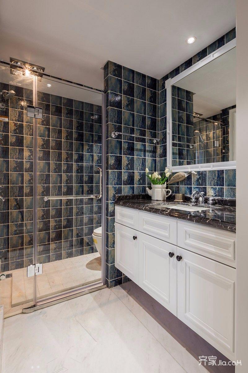 140平美式风格三居装修卫生间装潢图