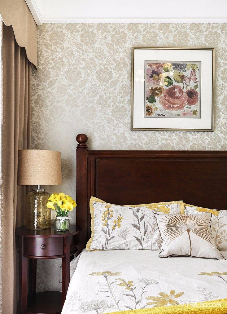 180平美式风格三居装修卧室背景墙效果图