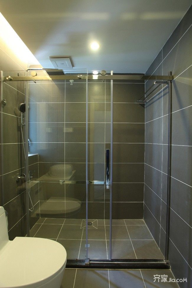 120平现代简约风格卫生间装修效果图