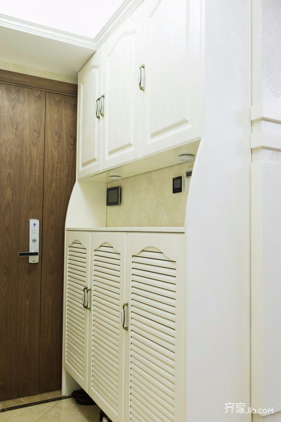 110平欧式风格三居装修鞋柜设计图