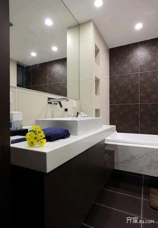 中式混搭三居卫生间装修设计效果图