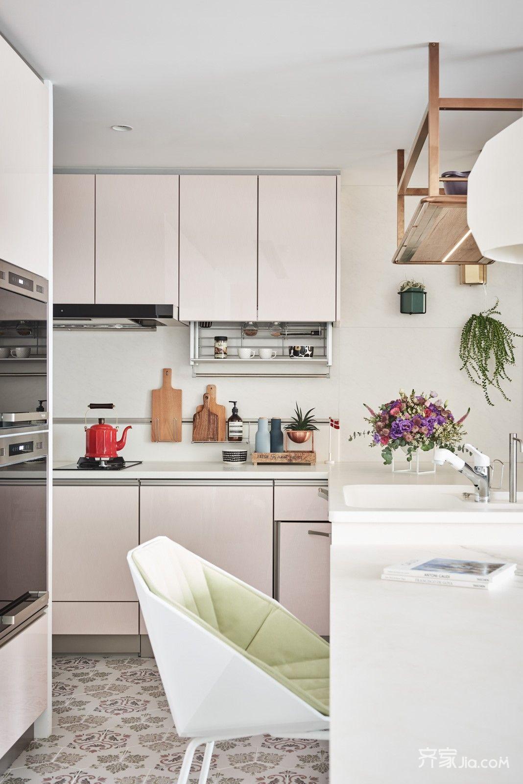 102平简约三居室装修厨房设计图