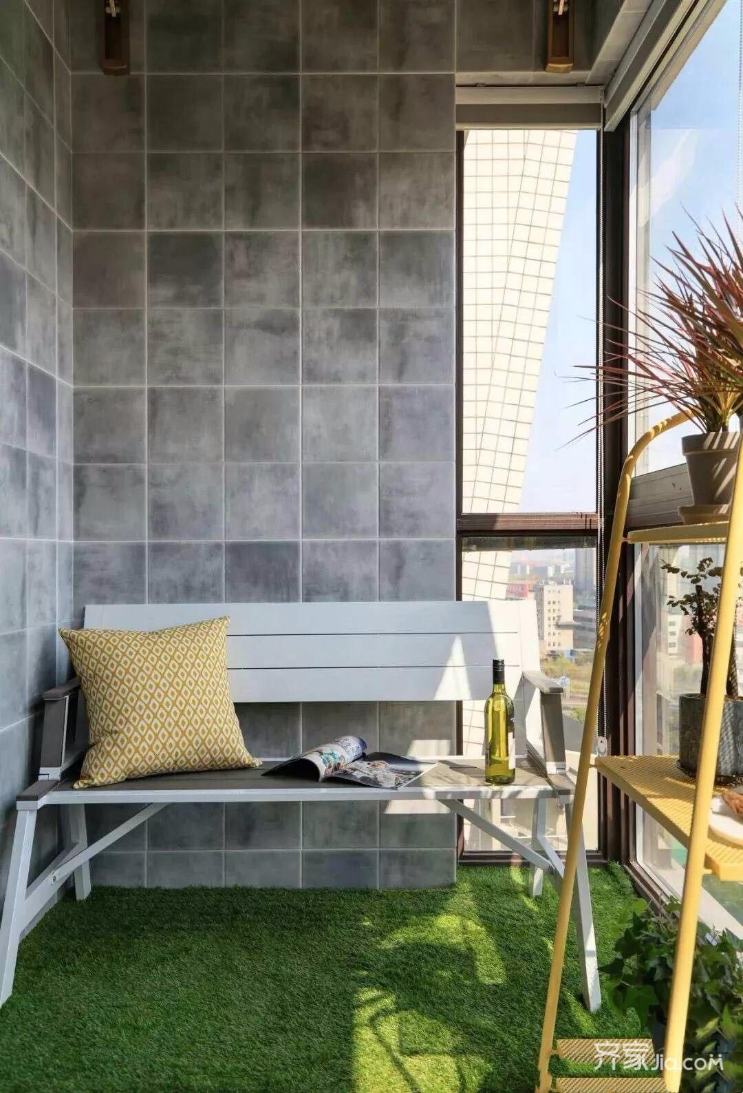 美式风格大户型阳台装修设计效果图