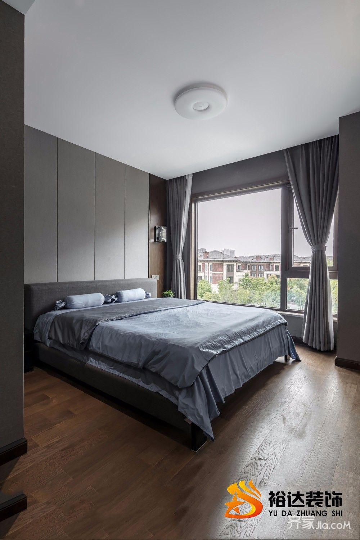 现代简约四居室装修卧室设计图