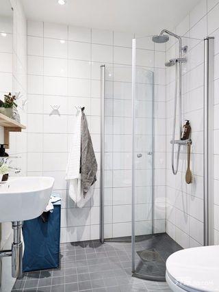 89平米简约三居室装修卫生间效果图