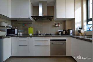 120平美式风格三居厨房装修效果图