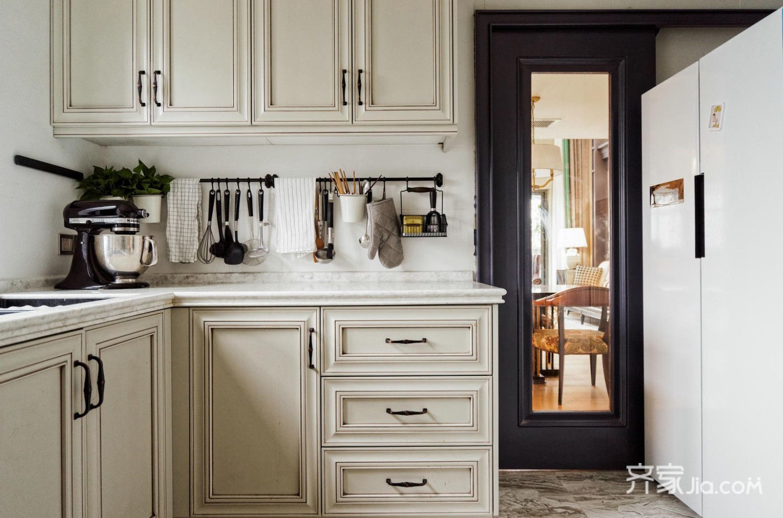 美式Artdeco风格别墅装修厨房设计图