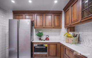 120平美式风格三居装修厨房搭配图