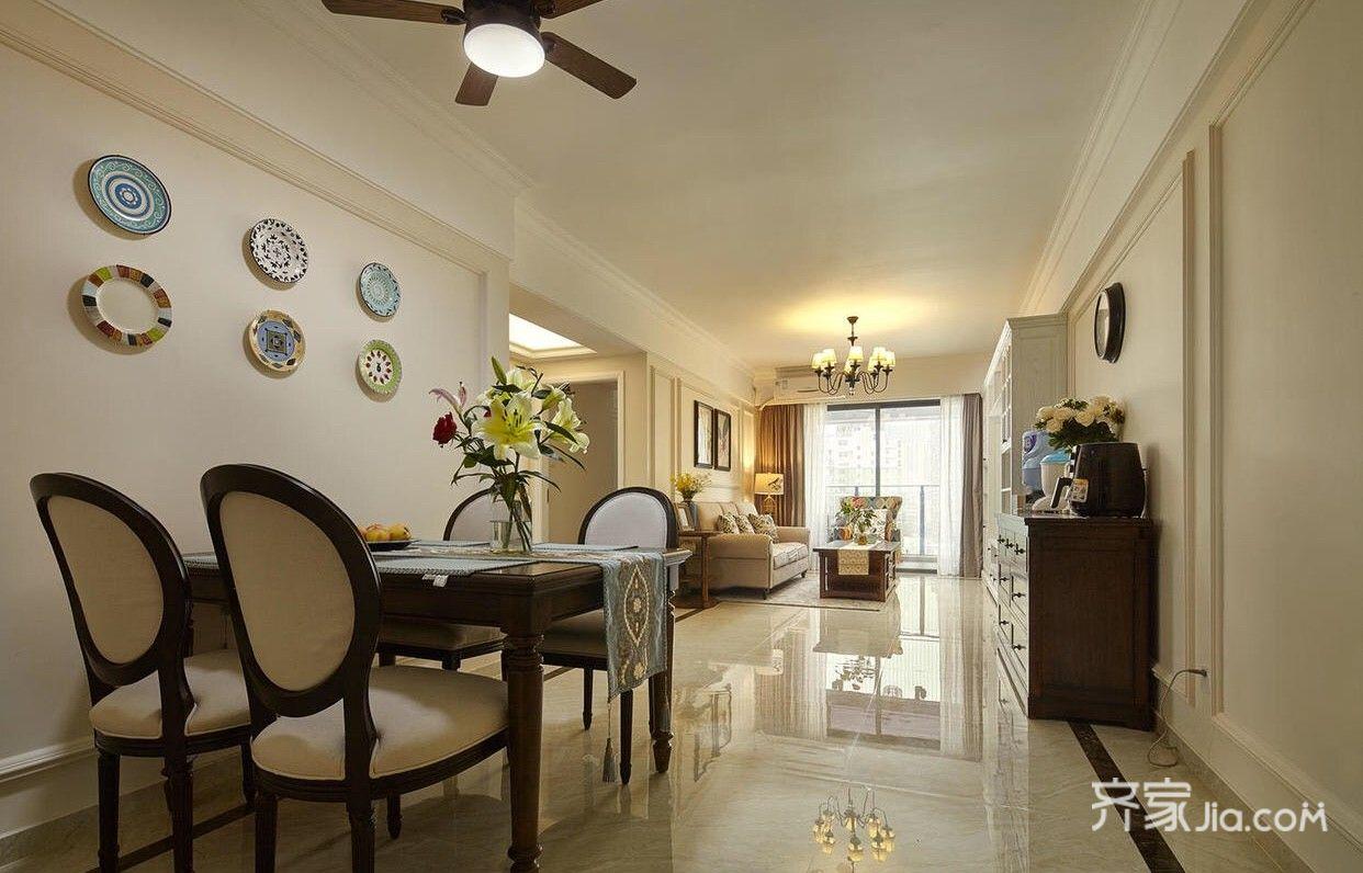 125平美式风格三居装修客餐厅全景图