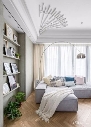 120平米现代简约装修沙发布置图