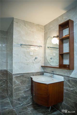 大户型港式风格装修浴缸柜设计