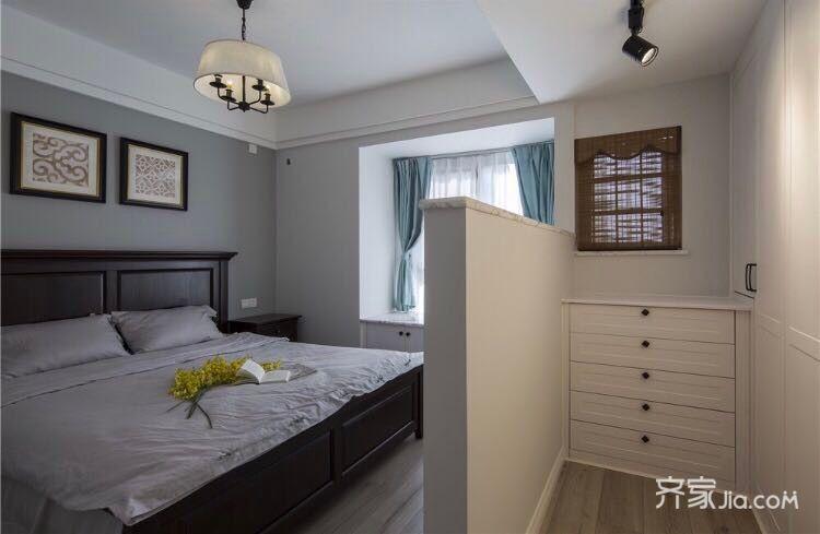 70平小户型装修卧室设计图