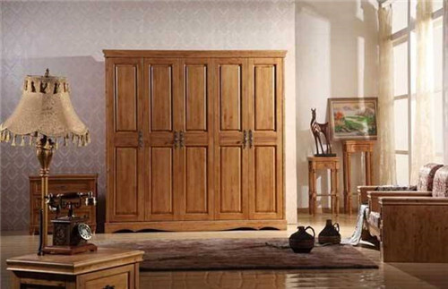 柏木家具的优缺隐拥有哪些 选购柏木家具要剩意什么