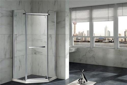 淋浴房高度一般多少合适 淋浴房用什么材质好[新闻]