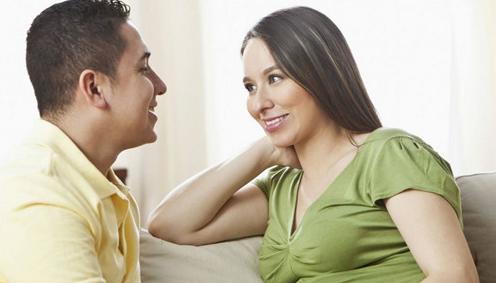 已婚女人爱你的表现  这5种信号证明她爱你