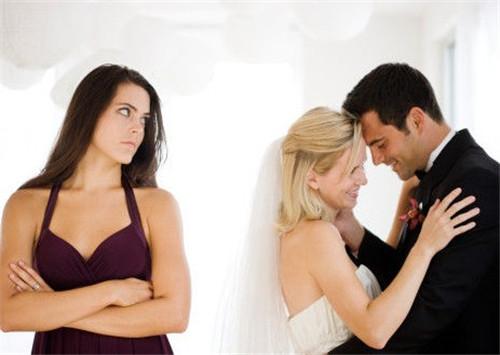 婚姻出轨的原因 遇到这些问题应该怎么做