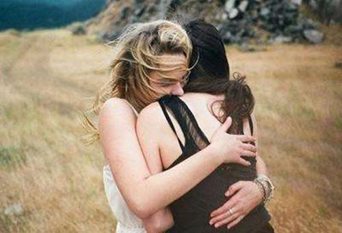 朋友离婚了怎么安慰  暖心鼓励安慰别人的话