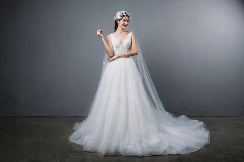 婚紗要注意怎樣選擇石制蠟,選擇禮服