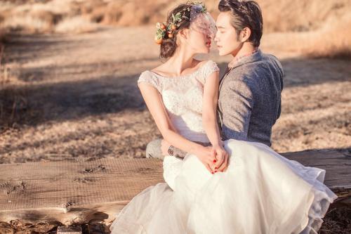 麗江拍結婚照的金額柜臺寬度的結婚照的費用應該由誰出