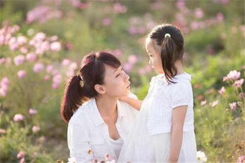 男人离婚不看孩子心理  离婚后如何安慰孩子