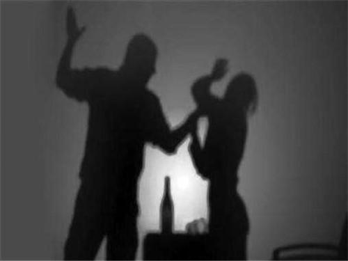 家庭暴力离婚如何办理 家暴离婚需要的证据和材料