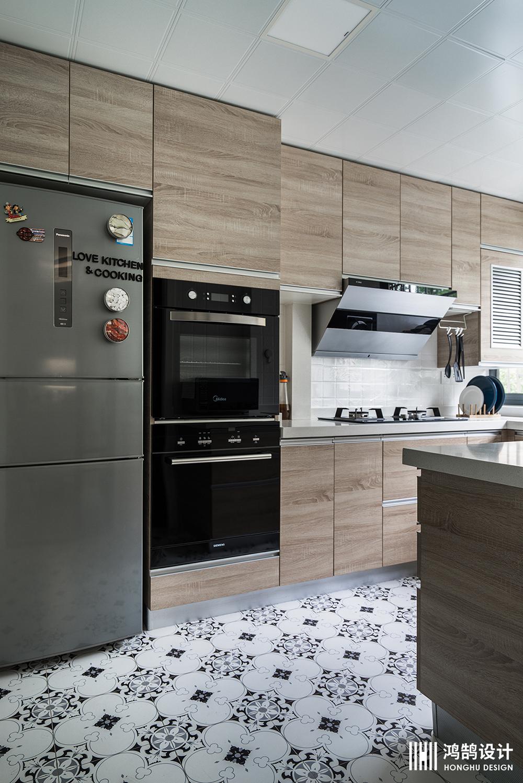 90平三居装修厨房设计图