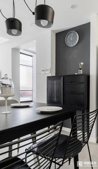 小户型两居之家餐桌椅图片