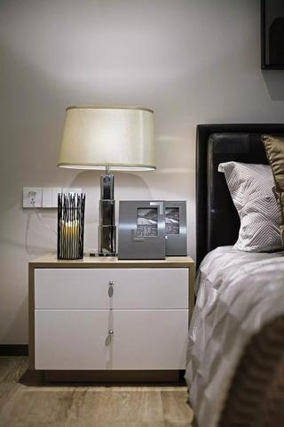 小户型北欧风公寓装修床头柜图片
